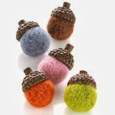 Felted Colorful Fall Acorns - 8 Great Fall Felt Crafts! www.twenty8divine.com