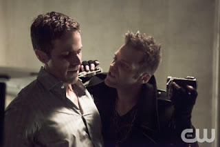 Arrow-S02E07-State-vs-Queen-Vertigo