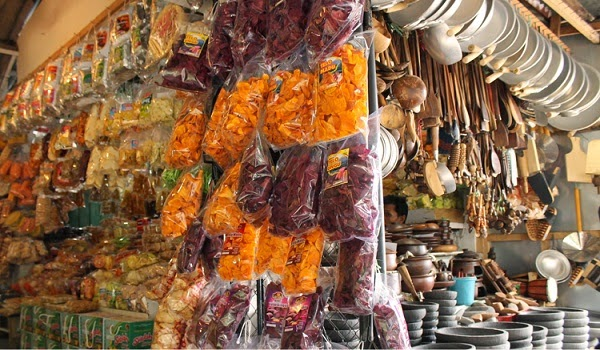 Stan Camilan di Pintu 2 Pasar Wisata Songgoriti