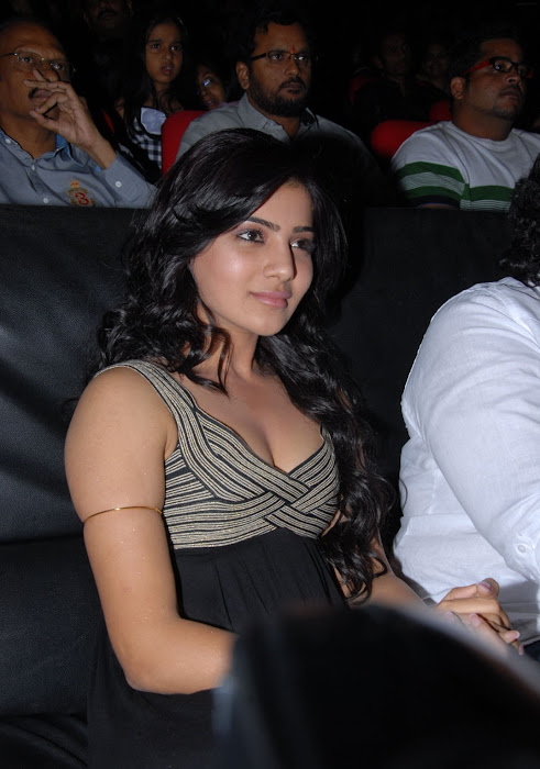 samantha at bus stop audio launch hot images