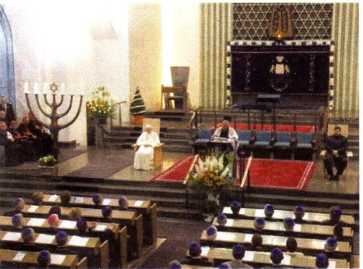 Ecumenical Mass in a Synagogue