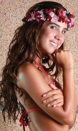 Vanessa Tello posando para sus fans