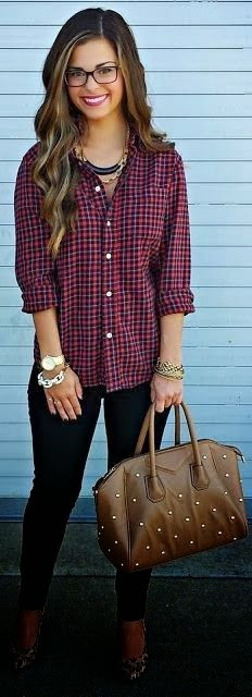 Sleeve flannel shirt and skinny jeans fashion trend