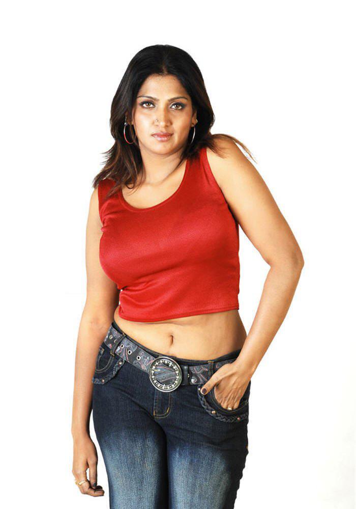 Bhuvaneshwari boob show