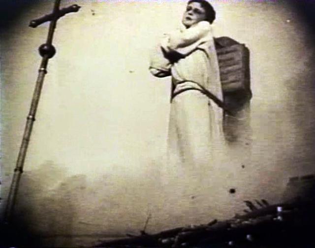 http://4.bp.blogspot.com/-FMs5DOz4aH0/Th3i_8L1GwI/AAAAAAAABcc/dQGXEQ_aewc/s640/Cinema+La+merveilleuse+vie+de+Jeanne+d%2527Arc5+1928.jpg