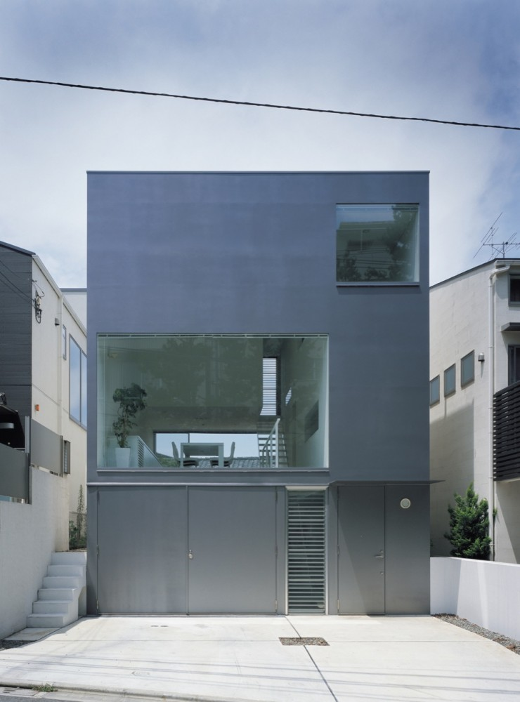 Industrial design minimalist house tokyo japan plans for Urban minimalist house