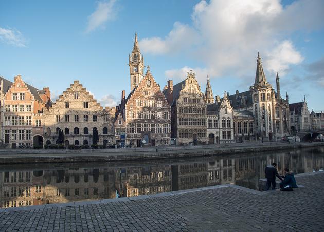 Carlos I, o la excusa que no necesitamos para ir a Flandes