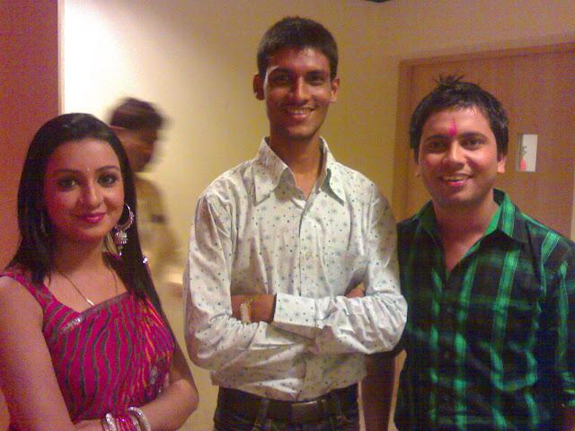 Anshu Dikshant with Bhojpuri Singer Ajeet Anand and Chhavi Pandey