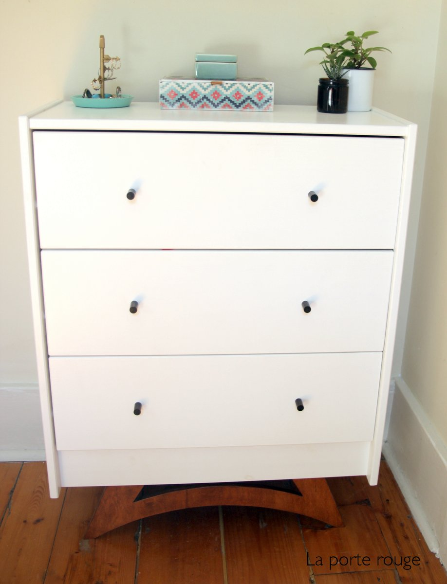 la porte rouge ikea hack commode rast. Black Bedroom Furniture Sets. Home Design Ideas