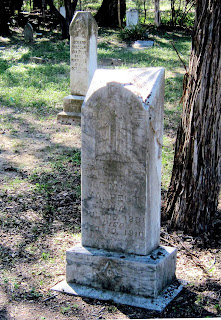 Gravestone of Capt. Malcolm Van Pelt