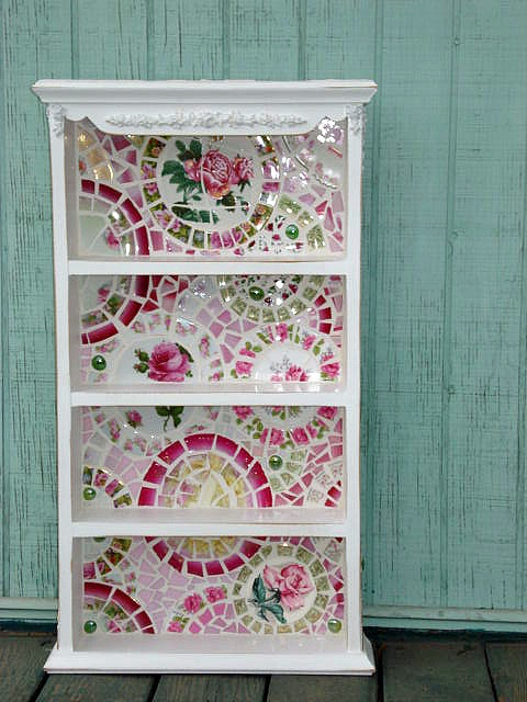 50 diy projects with mosaic do it yourself ideas and for Craft ideas for old dishes