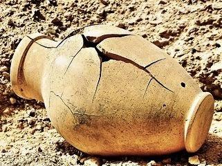 Cerita Lucu Bahasa Inggris The Broken Pot