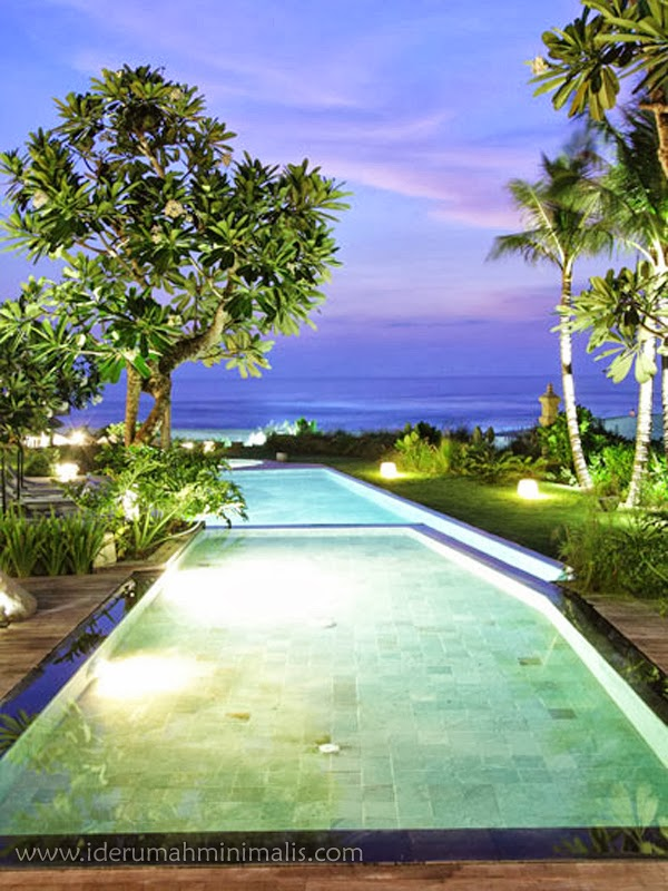foto kolam renang yang mempesona desain rumah minimalis
