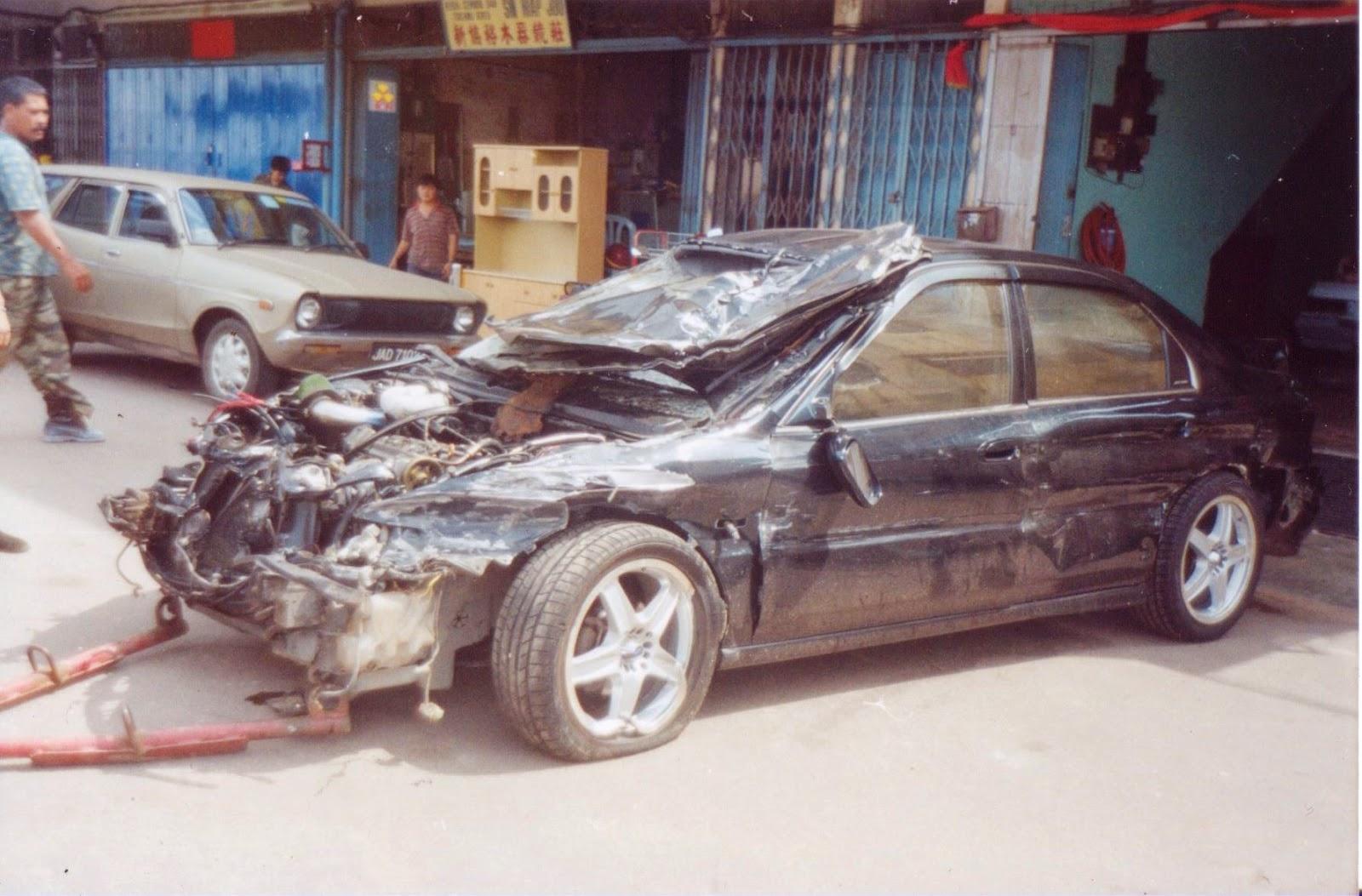 Accord 2.2 Vtec - Kemalangan di lebuhraya PLUS Pagoh, Muar, Johor