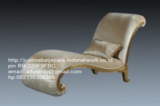 Jual mebel jepara,sofa klasik jepara Mebel furniture klasik jepara jual set sofa tamu ukir sofa tamu jati sofa tamu antik sofa jepara sofa tamu duco jepara furniture jati klasik jepara SFTM-33024