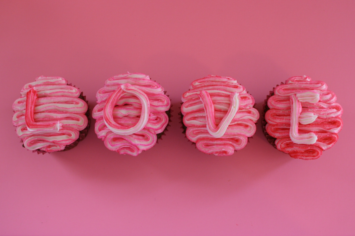 My Moon: Valentine s Day Cupcake Decorating Ideas