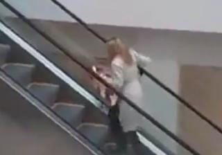 Lawak, Blonde, Gadis Blonde, Perempuan, Perempuan Blonde, Escalator, Eskalator