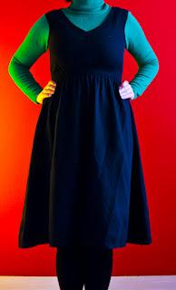 schwarzes Kleid aus Wolljersey an mir * MMM