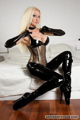 Saffron Taylor Shiny in Black Latex Ballet Boots and Corset