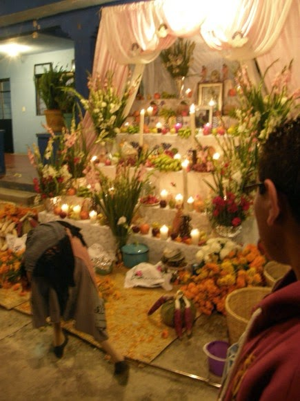 Day Of The Dead Altars Symbols Jennys Journal Mexican Culture