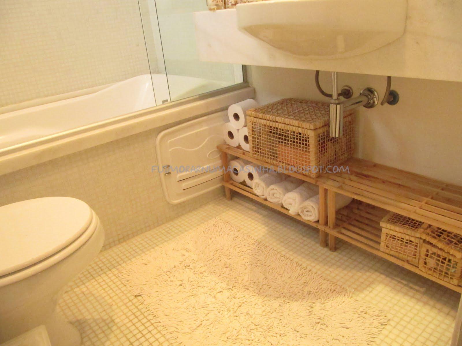 Fui Morar Numa Casinha -> Gabinete De Banheiro Etna