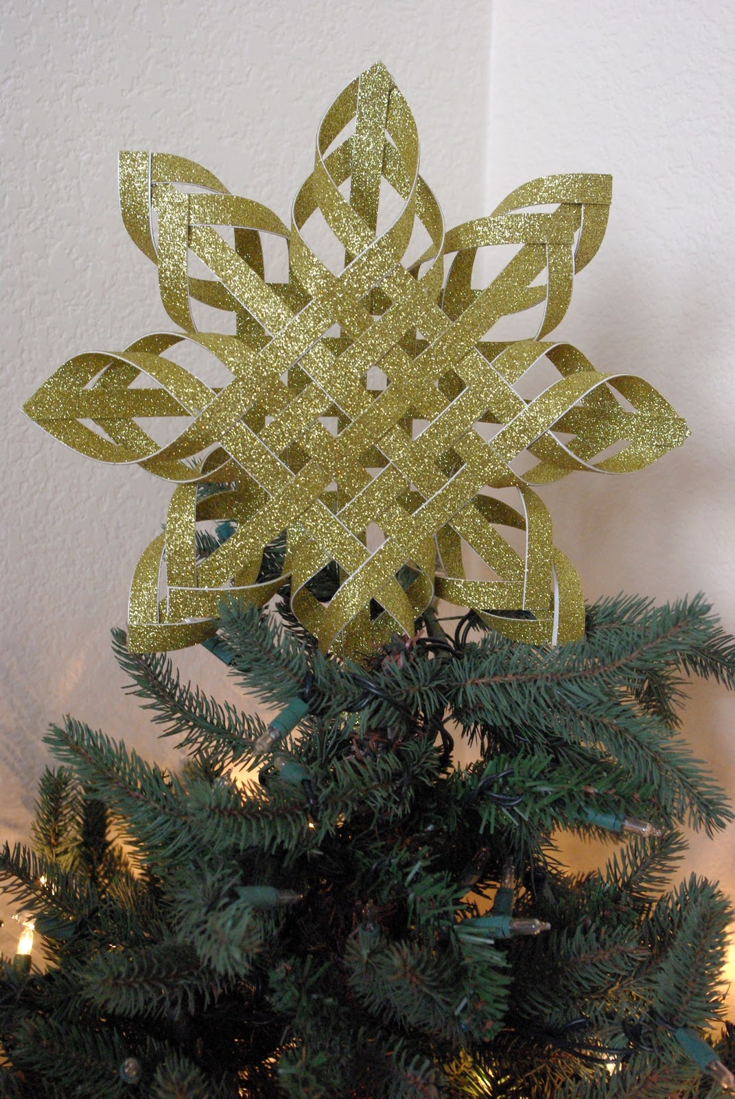 Woven Paper Tree Topper Happiness Is Homemade - Make A Christmas Star Tree Topper