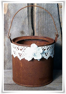 Shabby Prim Bucket Light
