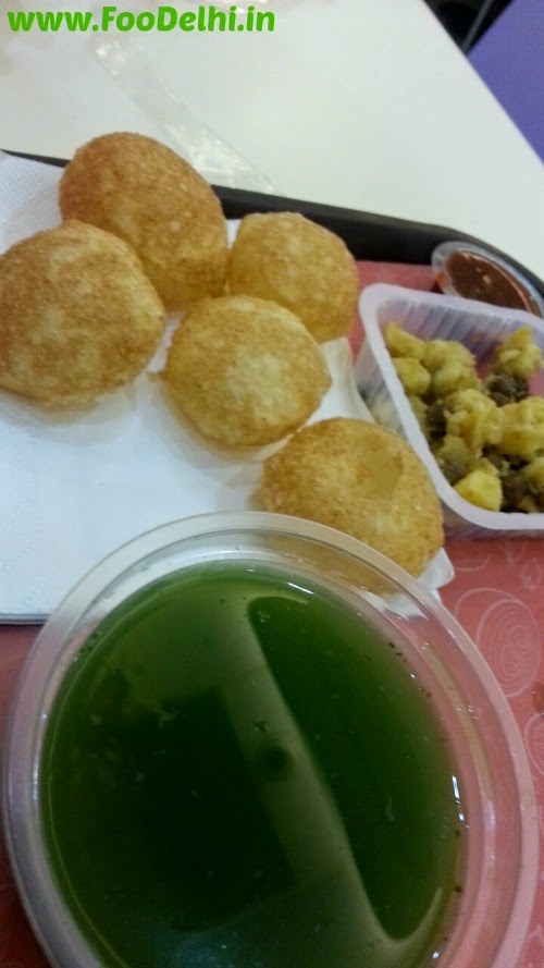 amazing chaat food in Delhi