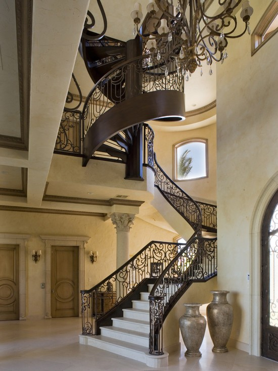 Eye For Design Decorate Your Staircase In Grand Style