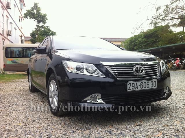 Cho thuê xe 4 chỗ Camry 2.4G hạng sang tại Hà Nội
