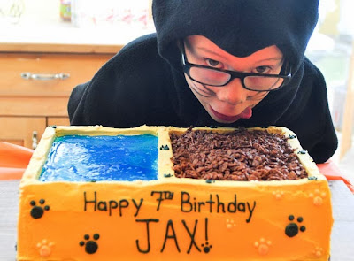 ... were cats. So, they wanted cat food bowls for their birthday cakes
