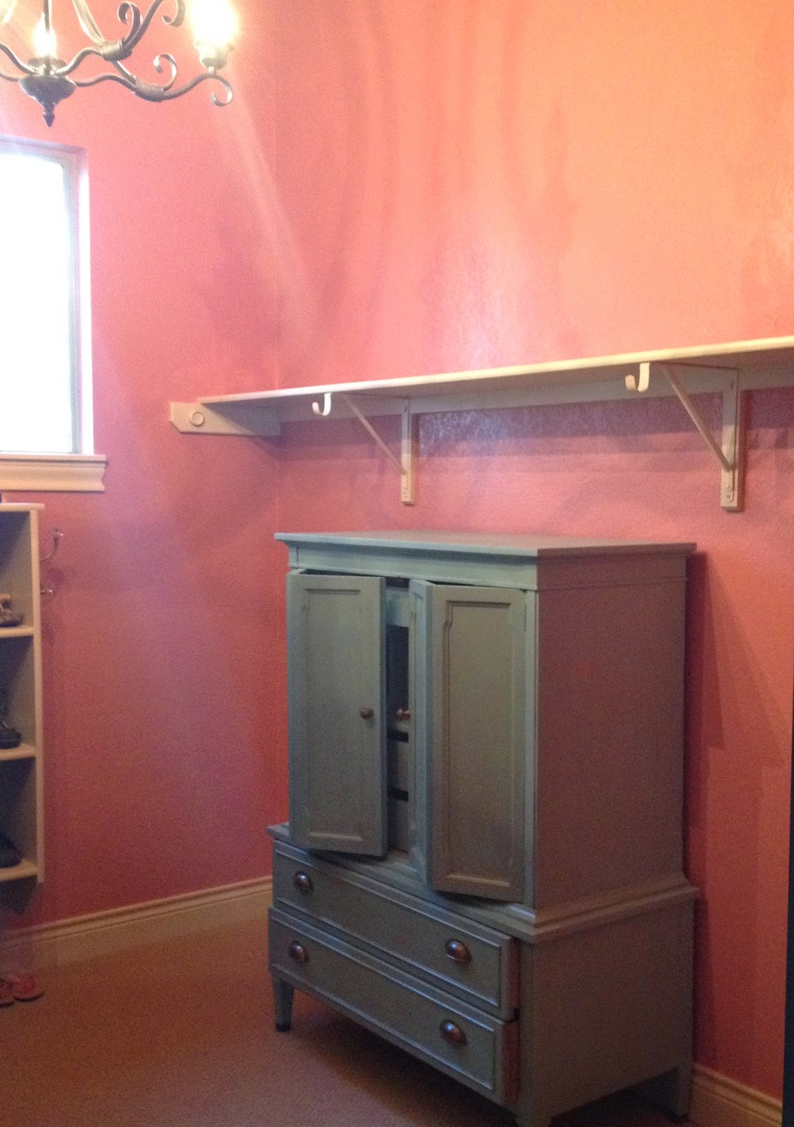 The Decorating Duchess: Pretty in Pink (Closet Makeover Paint)