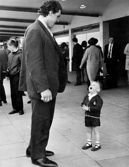 Little fan meets Andre the Giant
