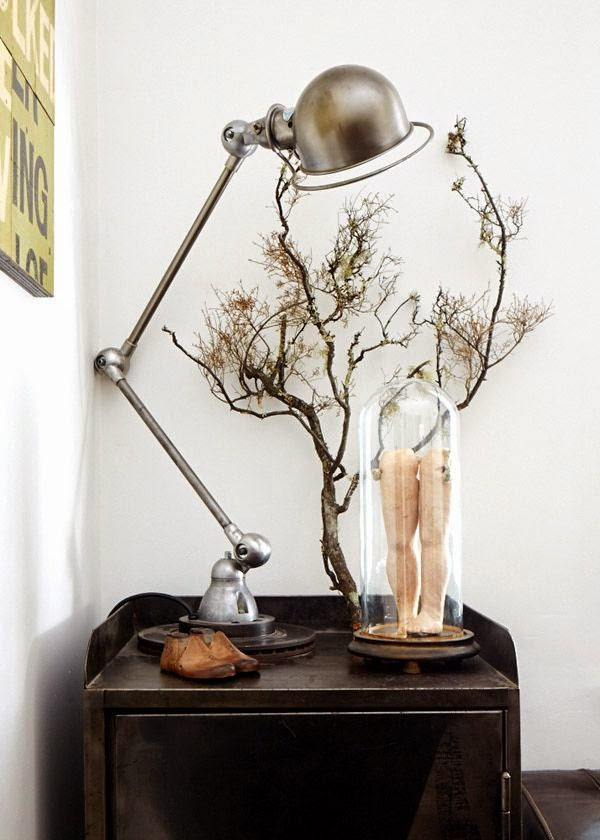 Decorar con lamparas antiguas de mesa Jielde Francia