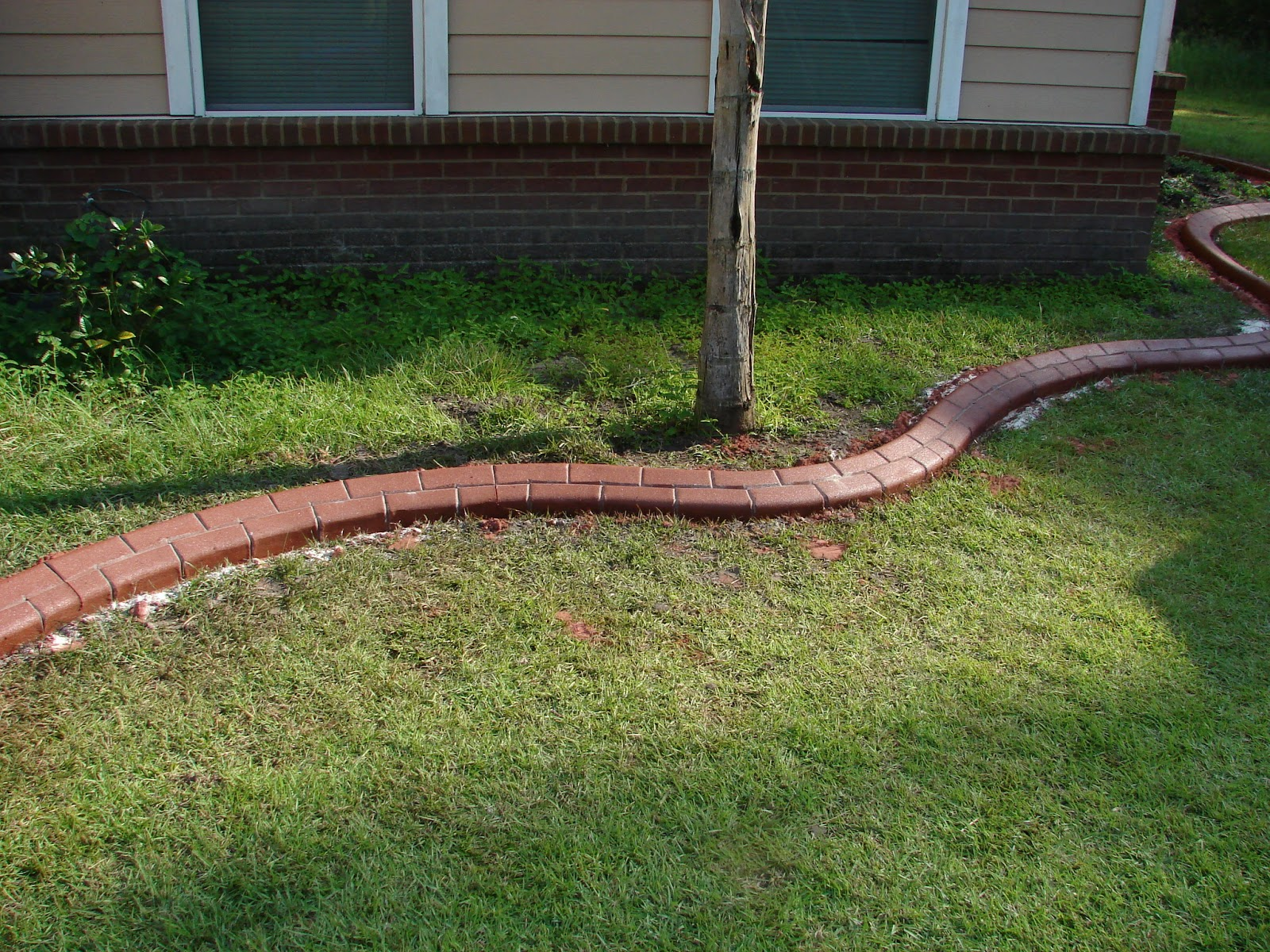 Prices On Landscaping Bricks : Brick driveway image edging