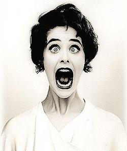 screaming-woman  - 7 Ways to Stop Panicking  -panicked girl