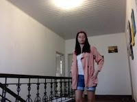 http://www.shein.com/Pink-Lapel-Long-Sleeve-Pockets-Loose-Trench-Coat-p-174365-cat-1735.html?utm_source=psiuganhouaquii.blogspot.com.br&utm_medium=blogger&url_from=psiuganhouaquii