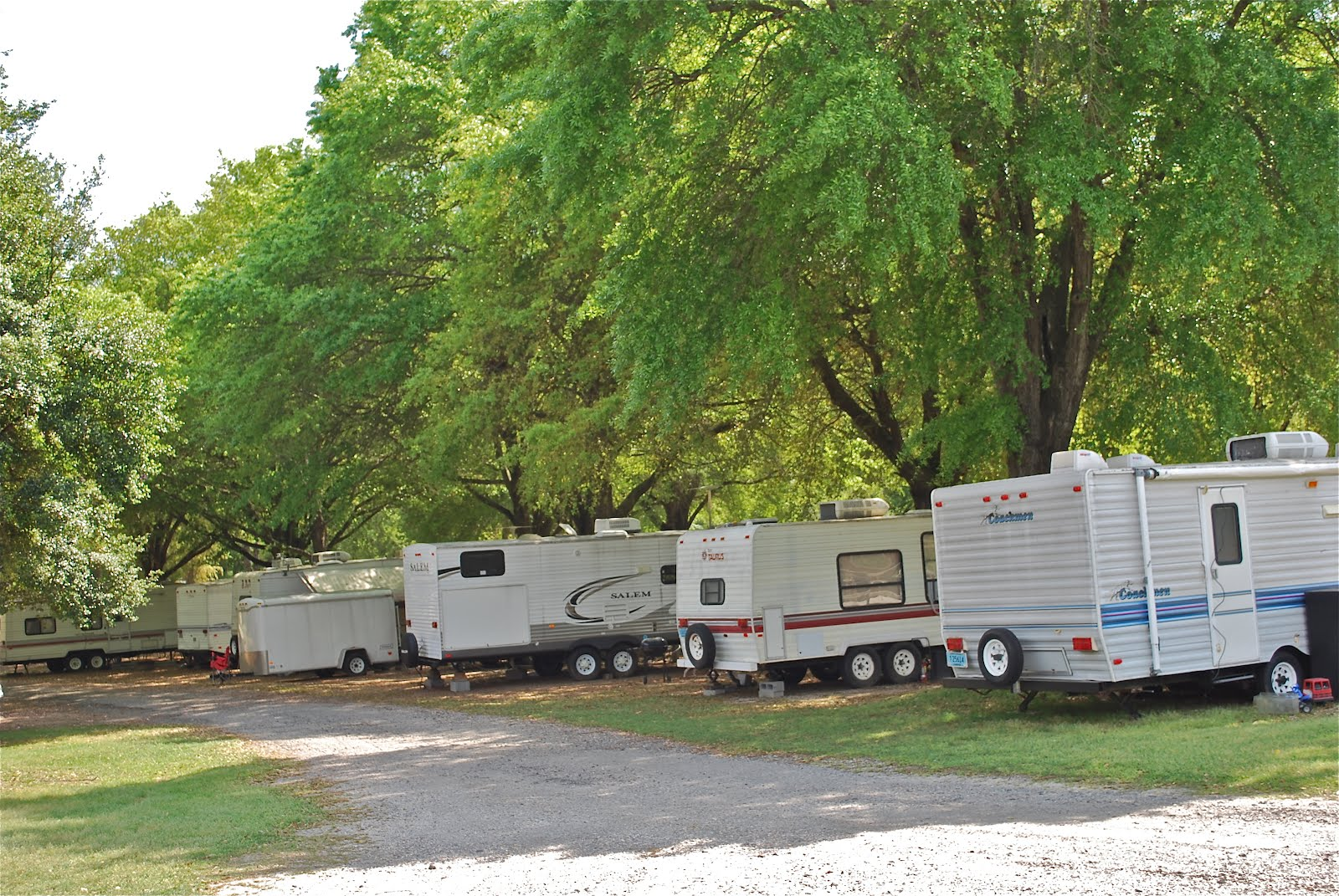 Blue sky ahead florence rv park florence sc for Pool show florence sc