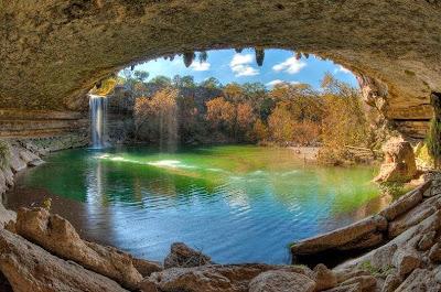 Pesona Kolam Renang Alami, Hamilton Pool di Texas