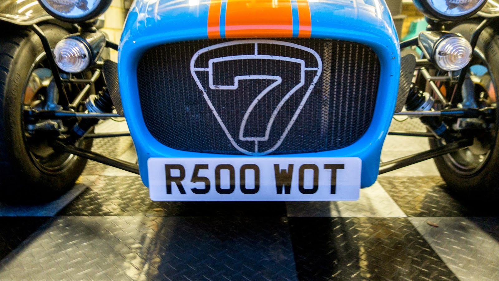 R500 WOT 'show' number plate