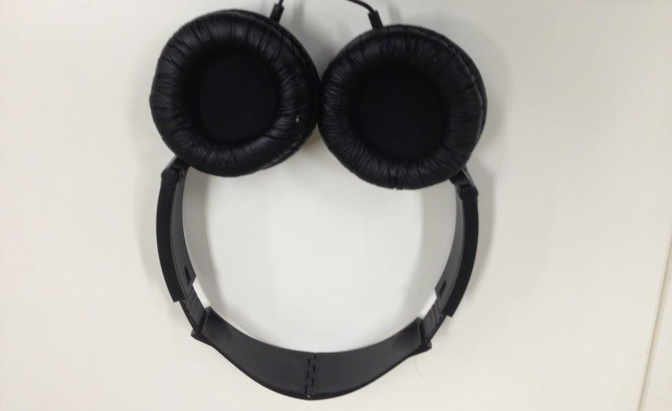 Fone de ouvido Genius GHP-410F tem design atraente e preço baixo