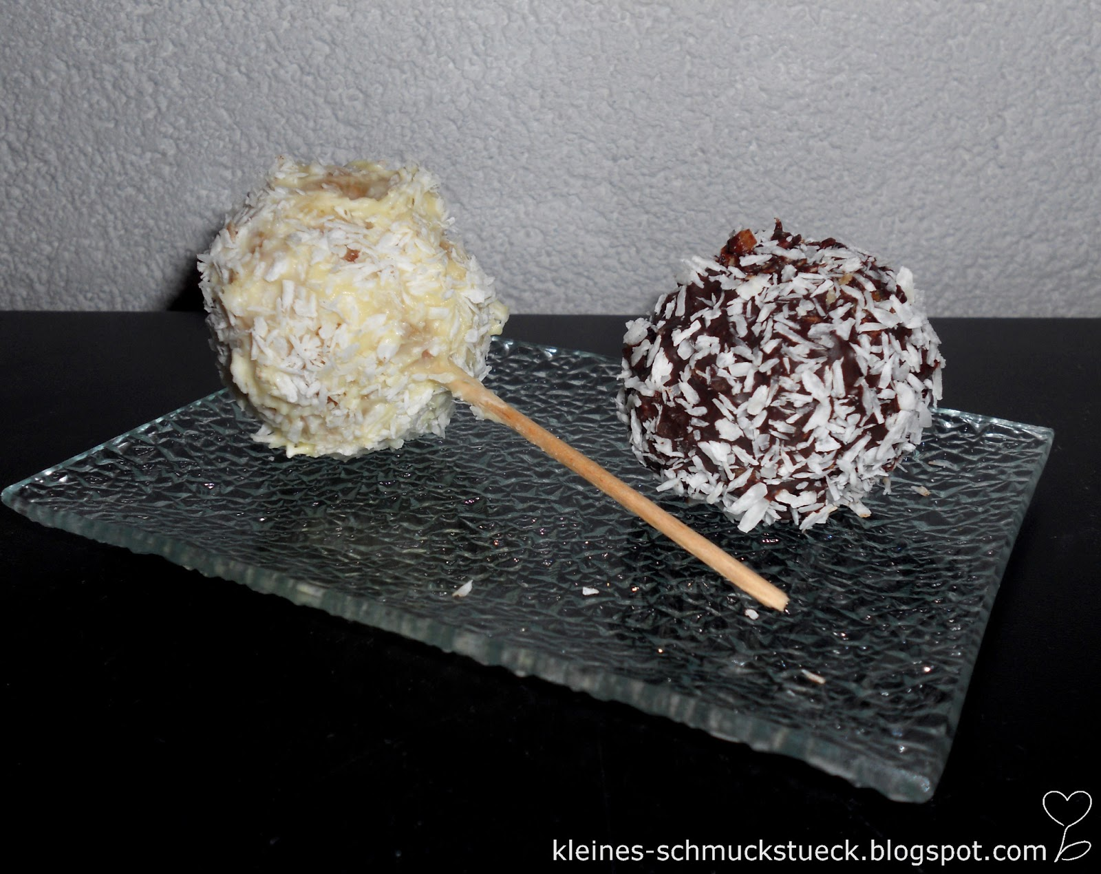 kleines schmuckst ck rezept kokos cakepops cakeballs. Black Bedroom Furniture Sets. Home Design Ideas