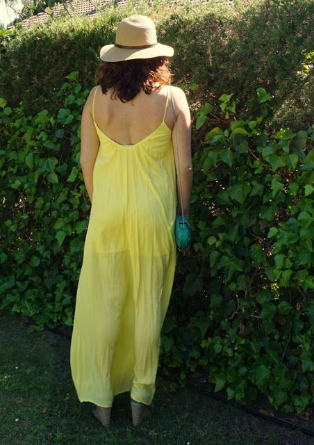 vestido amarillo espalda abierta