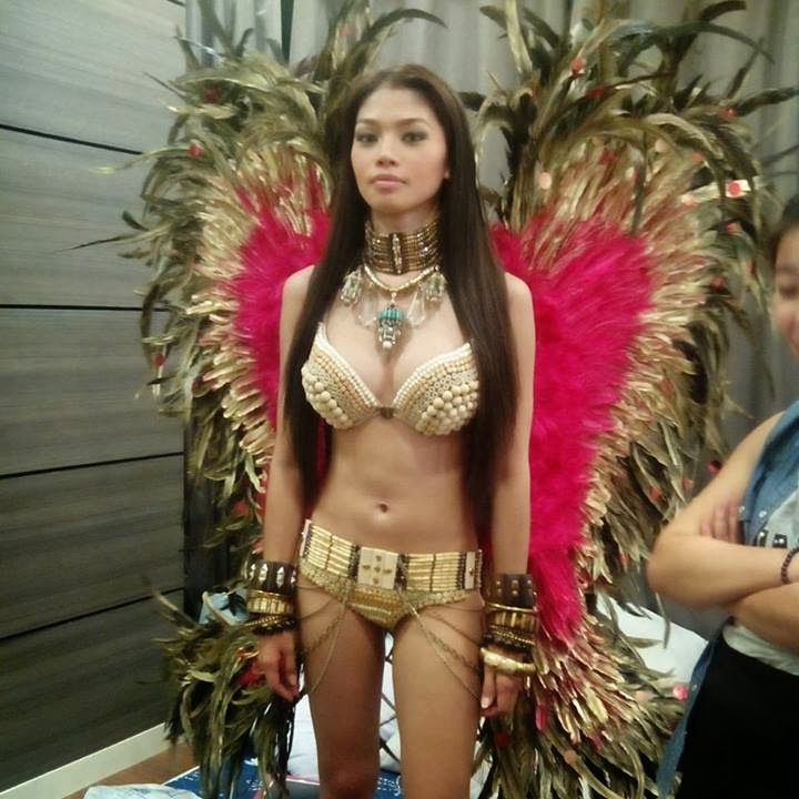 red de la cruz at fhm 100 sexiest victory party 2013