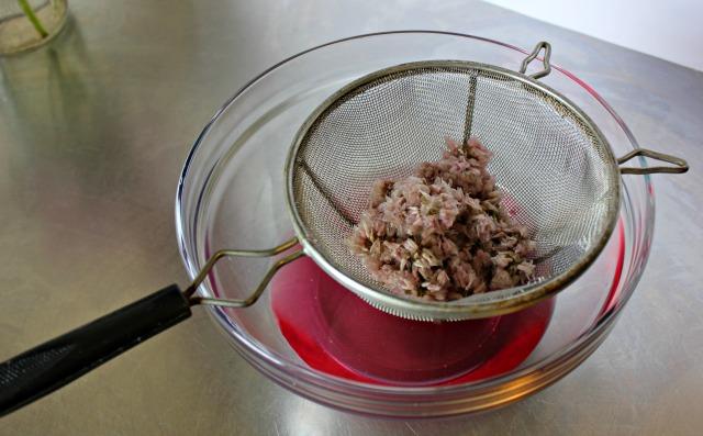 chive vinegar, chive-blossom, easy chive vinegar, easy chive blossom vinegar