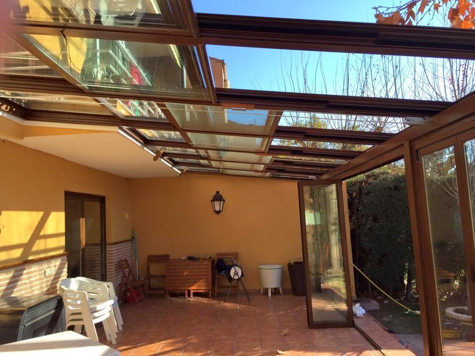 Techo m vil motorizado montadores de techos tejados y - Techos moviles para patios ...