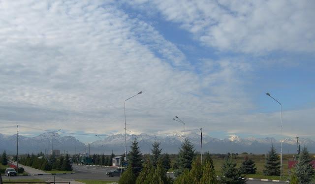 Магас в пятницу - изумительное небо над горами