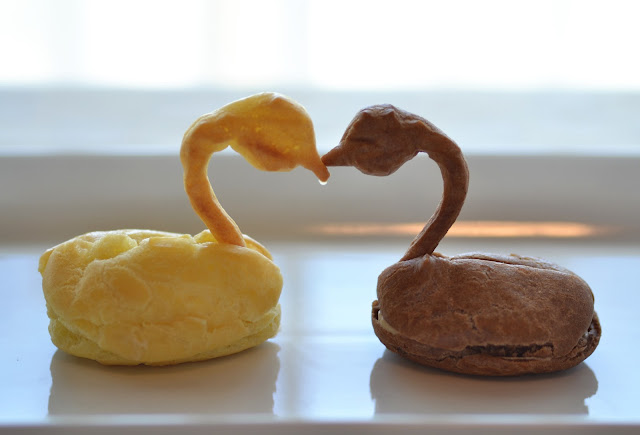 Vanilla and Mocha Pate a Choux Swans