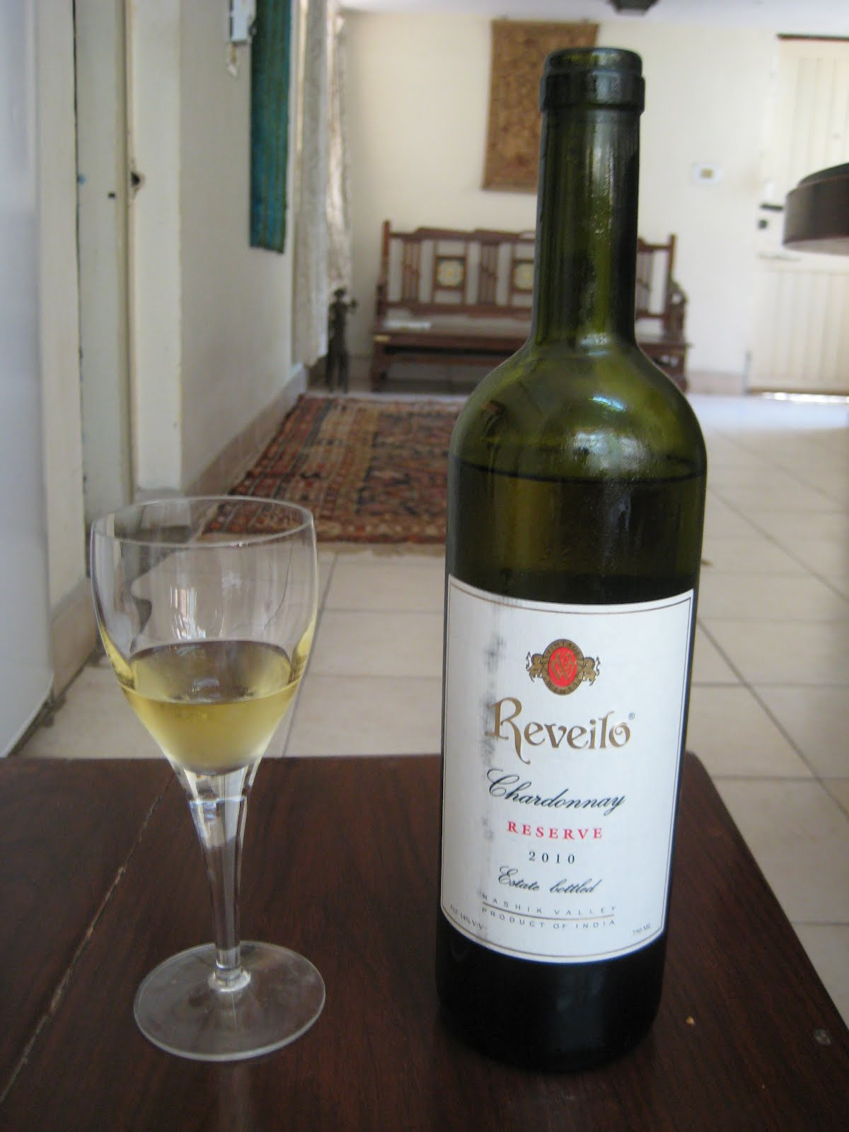 White Wine That Drunk At Room Temperature
