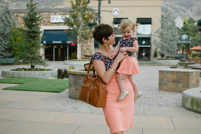 Giveaway!!! Matching mommy + me dresses from London Bridges Clothing and a designer diaper bag from Lily Jade!